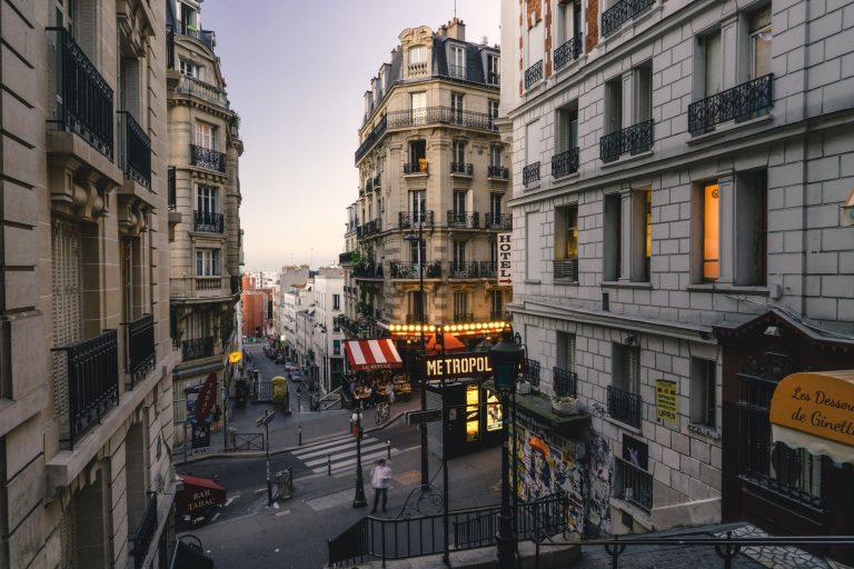 Blick in die Straßen von Paris • Frankreich