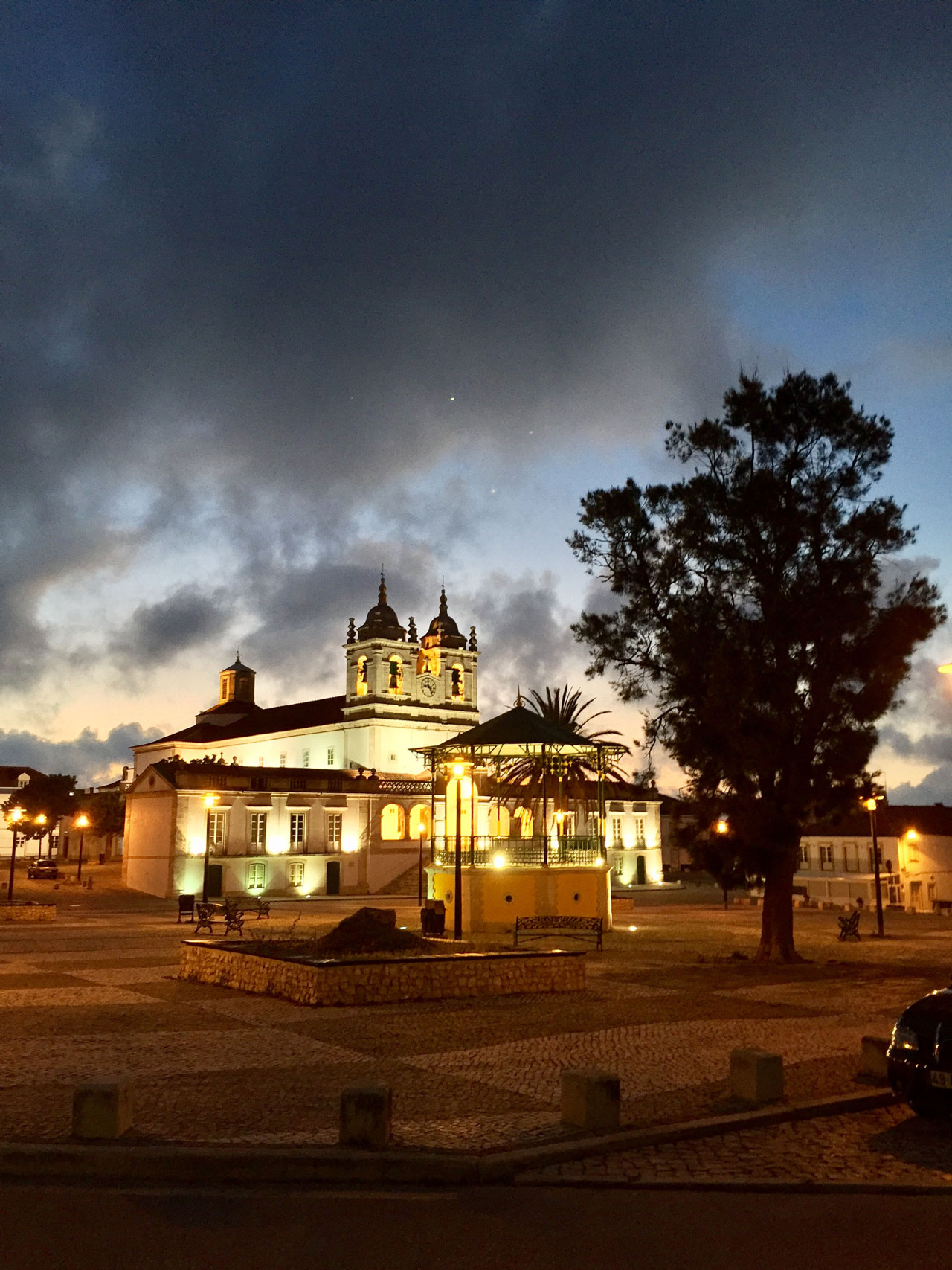 Eine Kirche in nazare Portugal