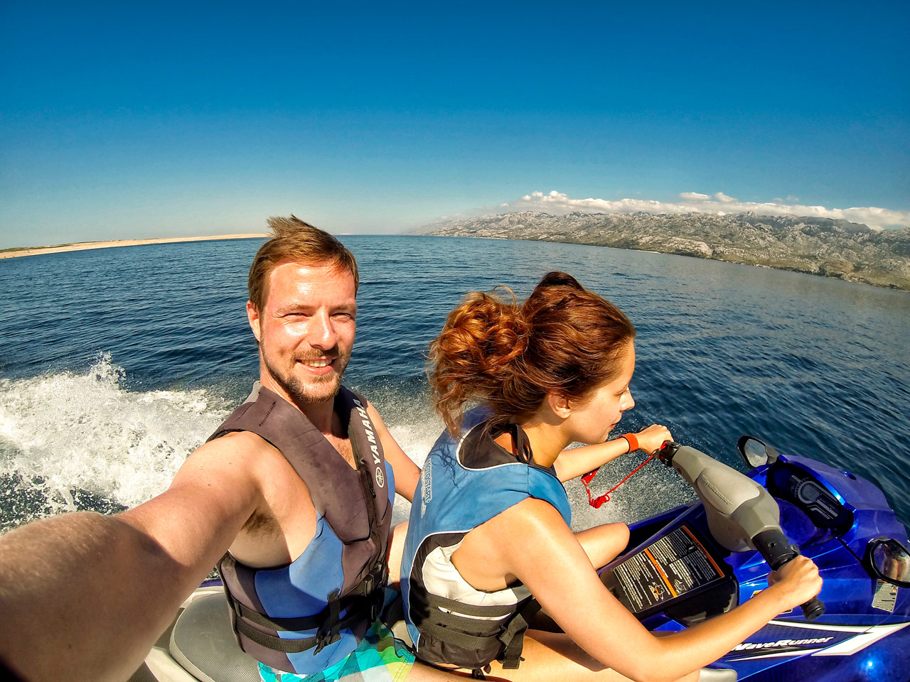 Jet-Ski auf Velebit-Kanal in Kroatien