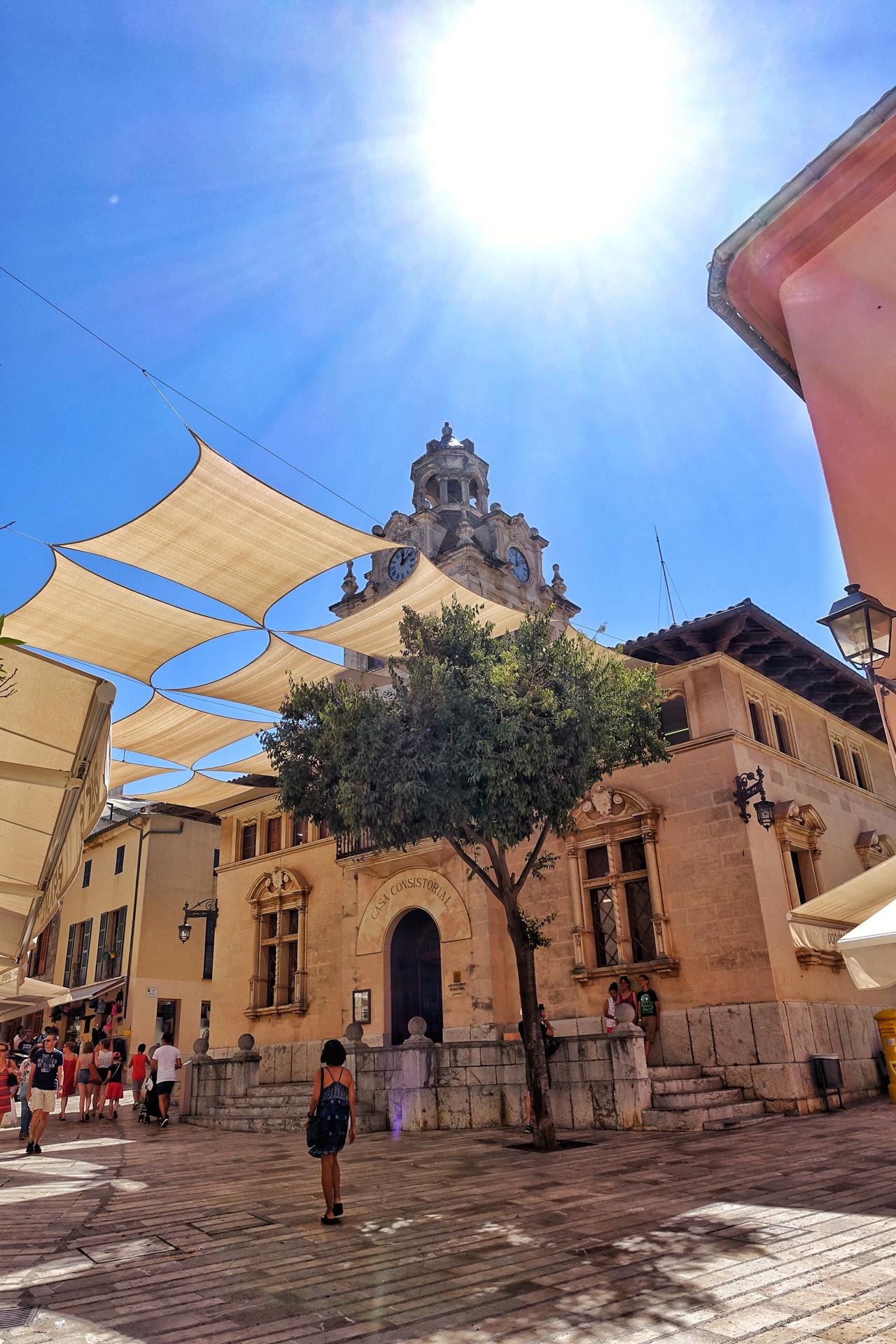 Das Rathaus von Alcudia auf Mallorca