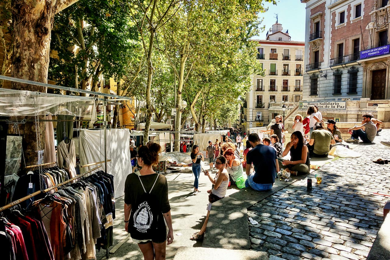 Trödelmarkt El Rastro in Madrid