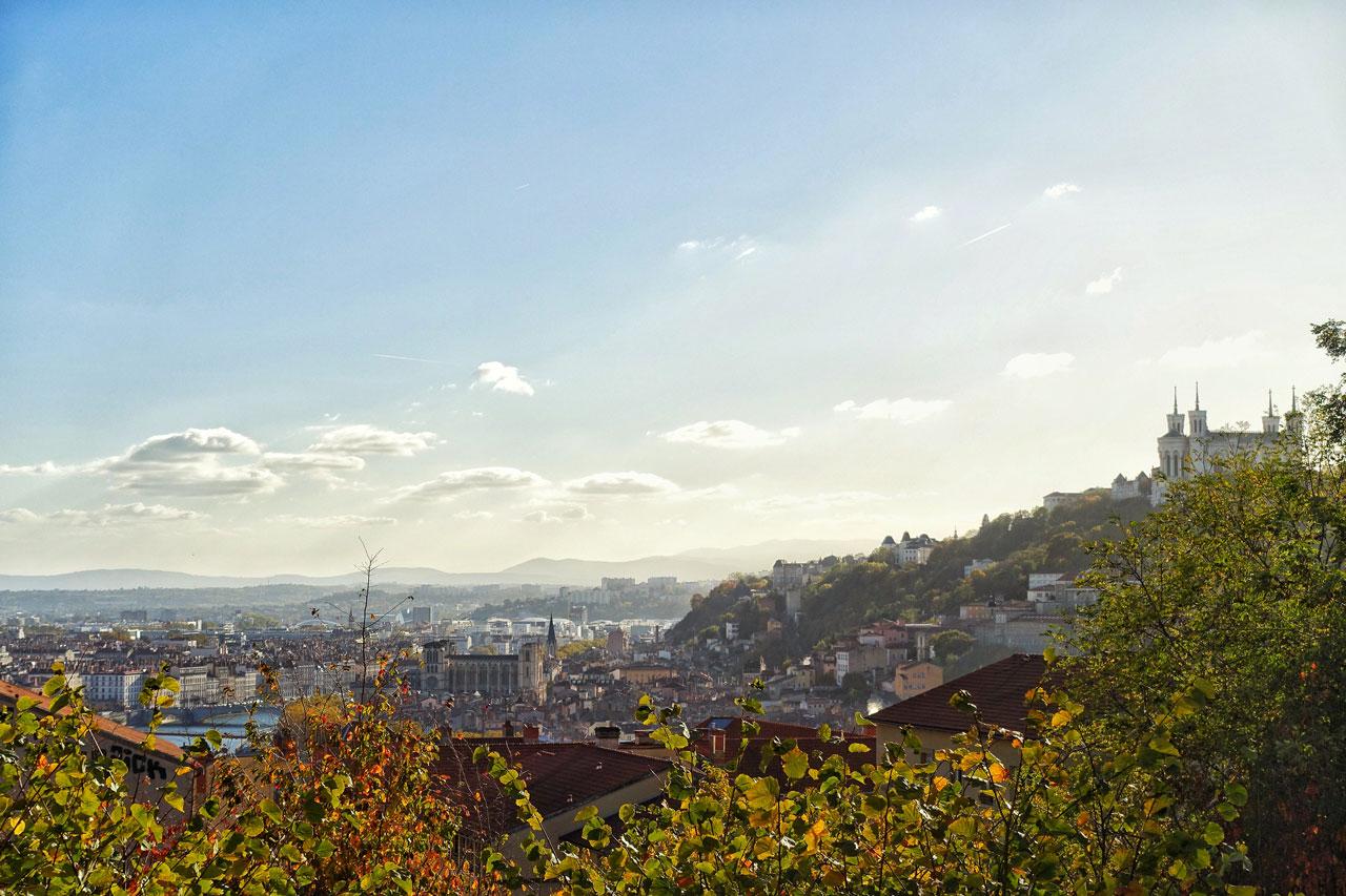 Ausblick auf die Lyoner Altstadt vom Hügel Croix-Rousse