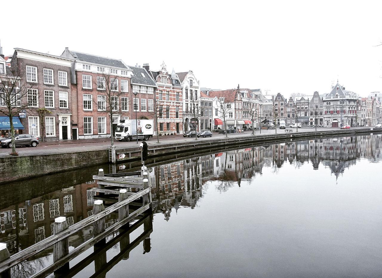 Haarlem Grachten im Nebel