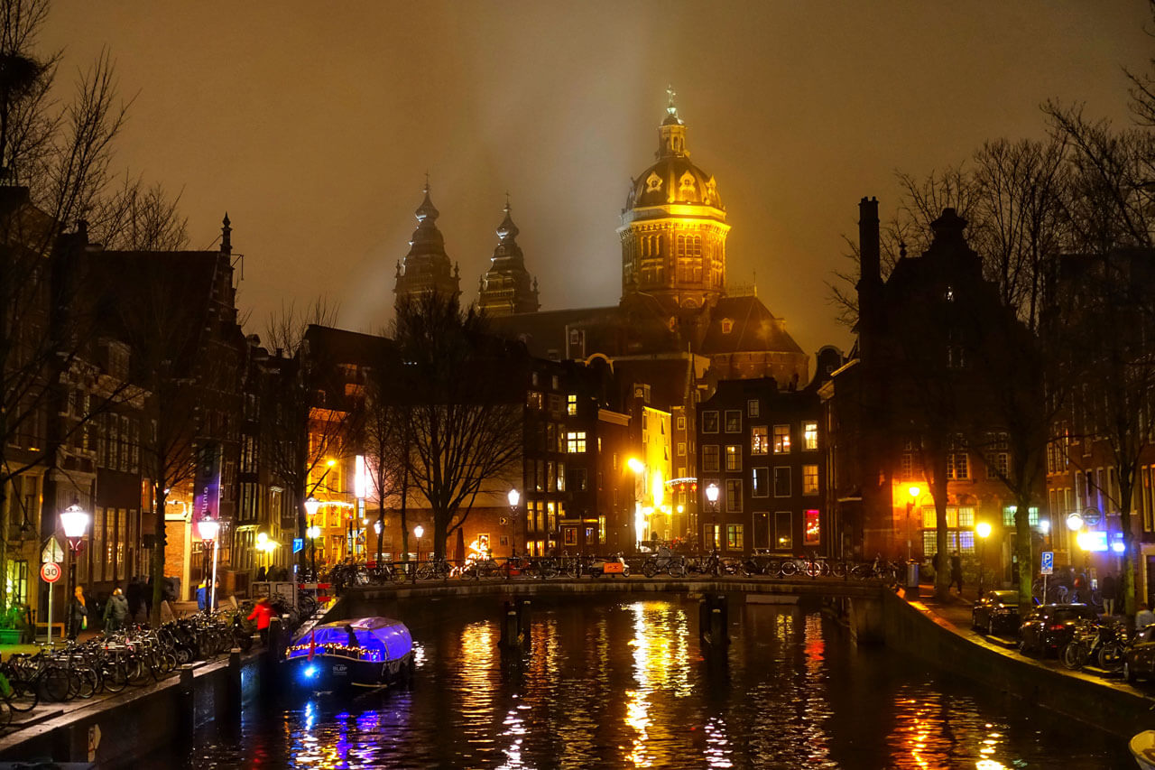 Amsterdam Grachten bei Nacht
