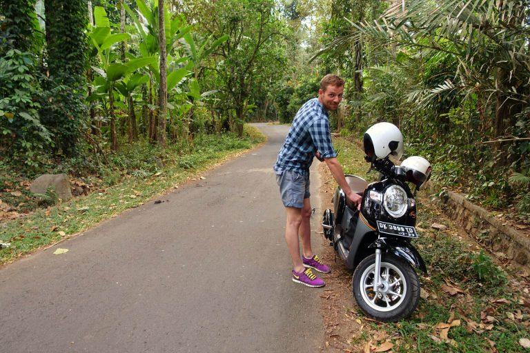 Der Weg nach Tenganan / Bali Indonesien