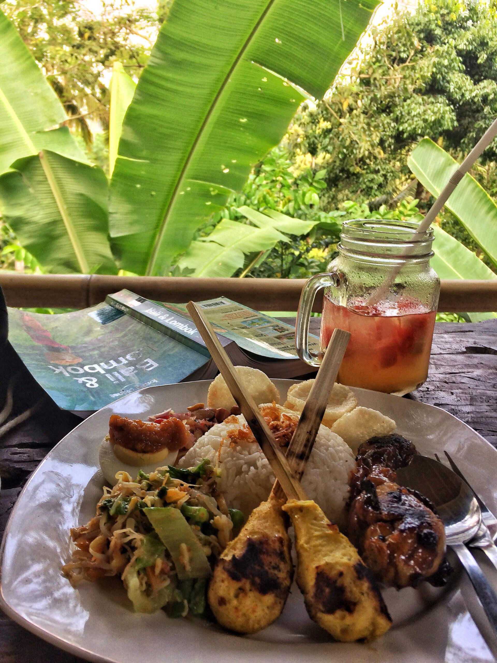 TRaditionelles Essen auf Bali