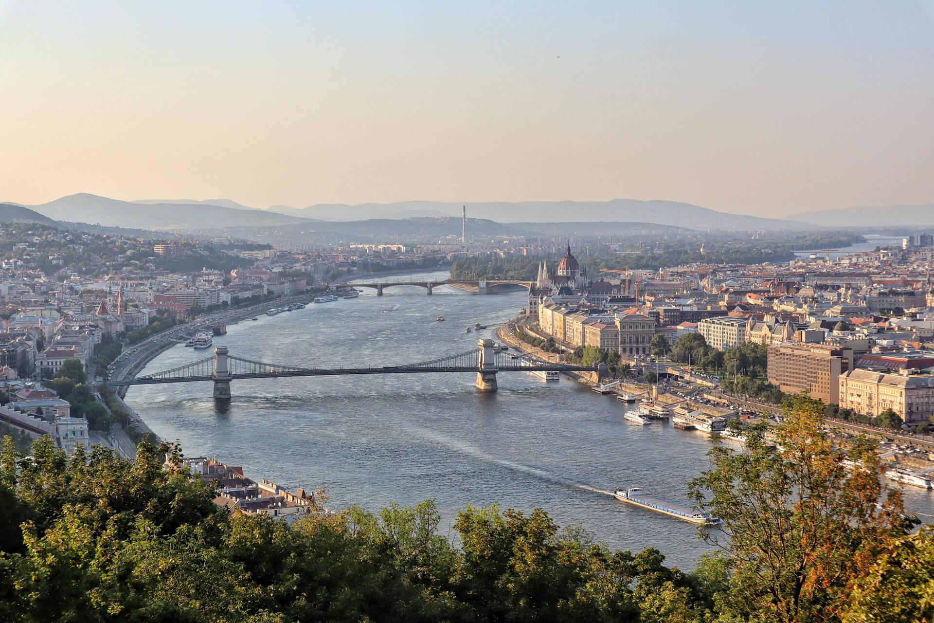 Budapest: Ausblick auf die Donau