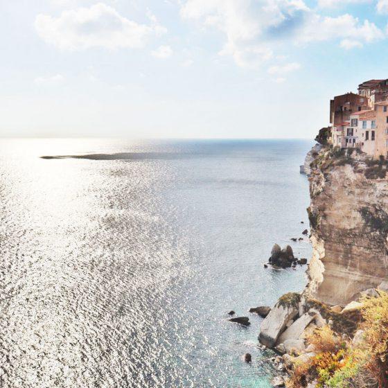Die Klippen auf denen die Altstadt thront Bonifacio