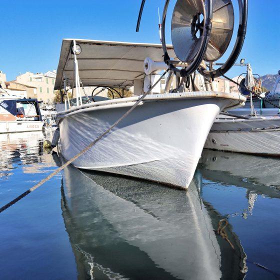 Fischerboot im Hafen von St. Florent