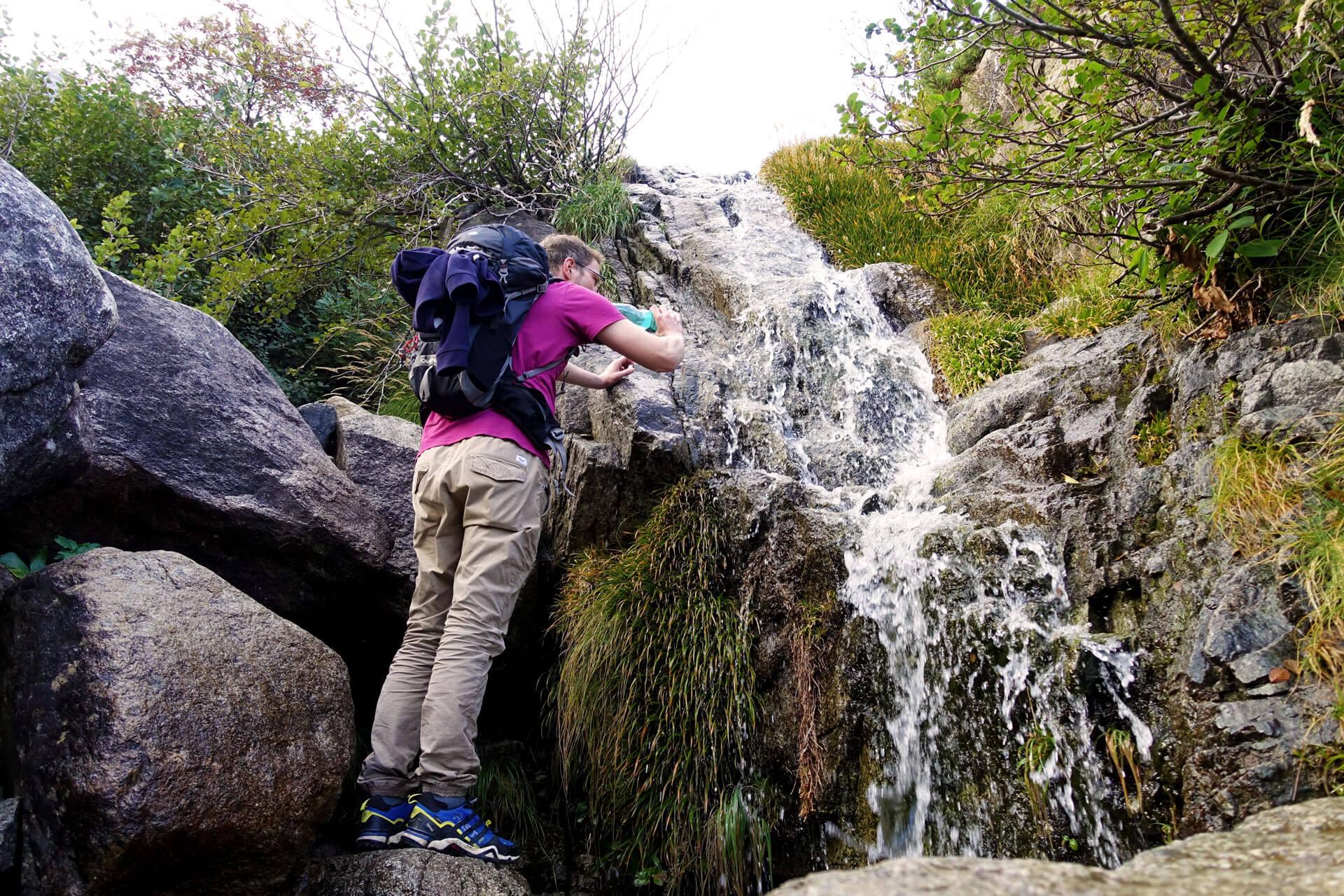 Quelle im Restonica Tal auf Korsika